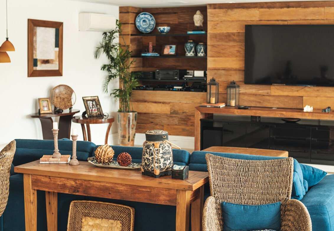 Un salon décoré dans une ambiance néo-rustique