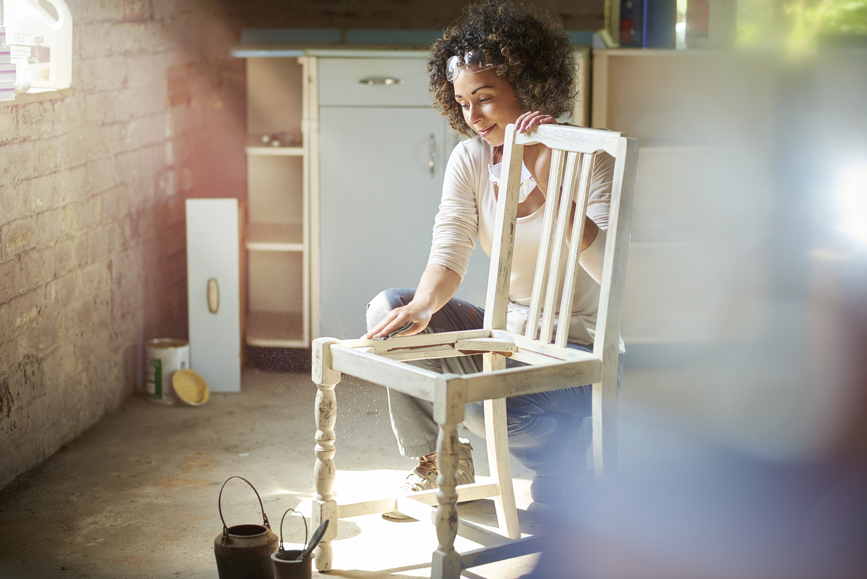 Peinture Sur Meuble Ancien rénover un meuble ancien grâce à la peinture - bricofamily