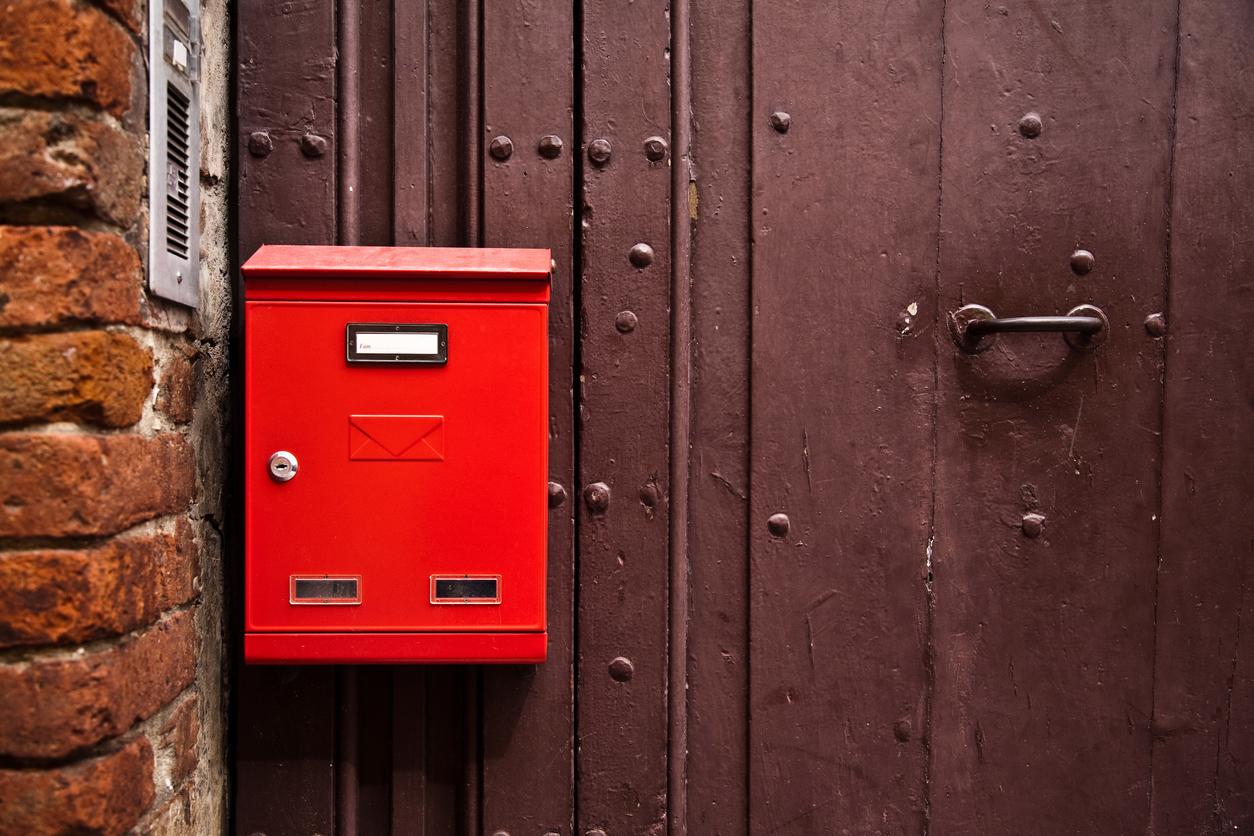 Découvrez toutes les réglementations auxquelles sont soumises les boîtes aux lettres !