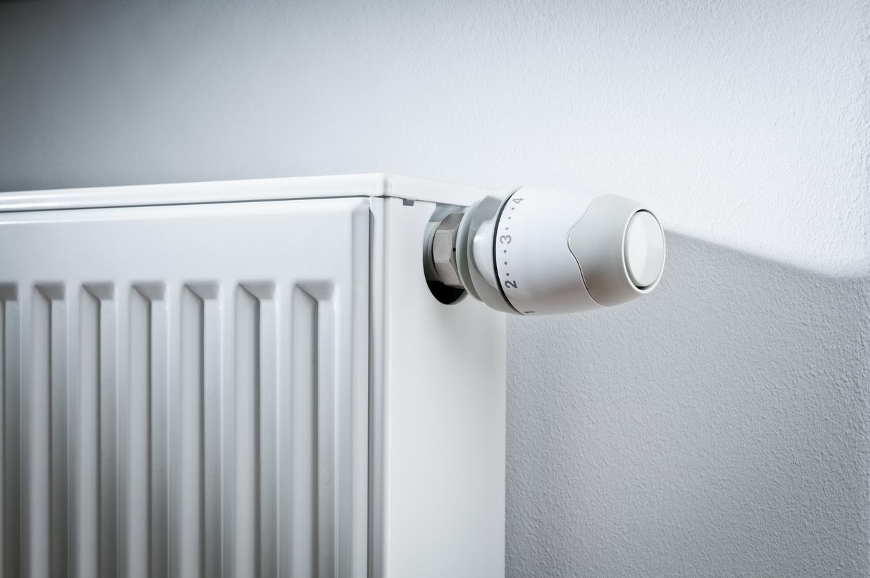 Zoom sur une tête de robinet de radiateur