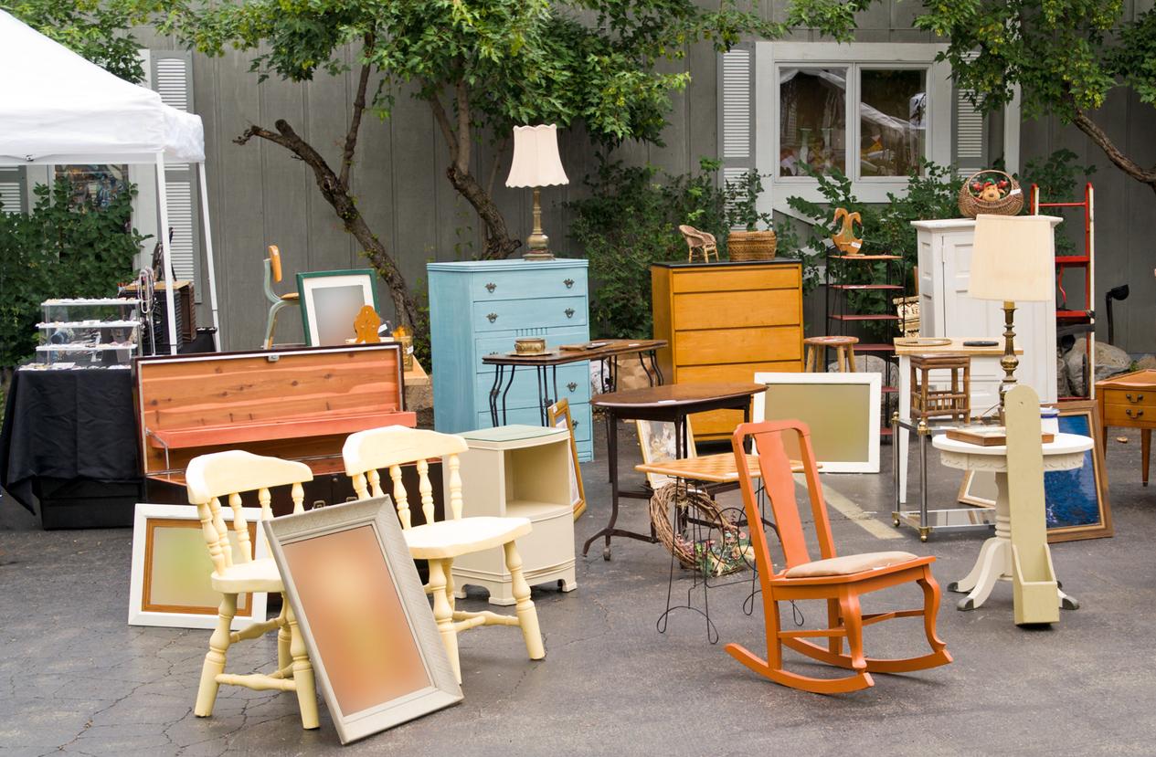 Trouver de véritables meubles anciens sur les brocantes pour une déco récup' et vintage