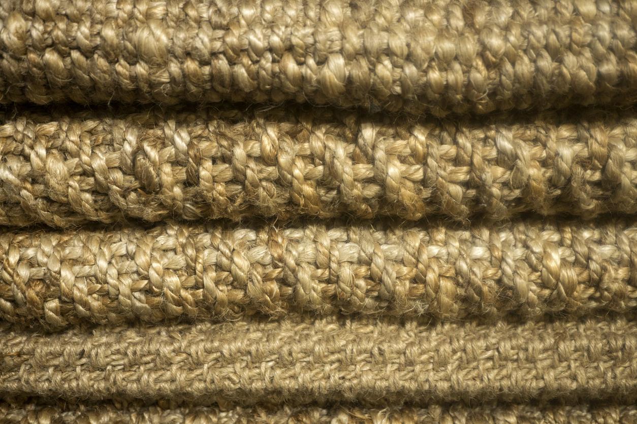 Le jonc de mer est une matière idéale pour le tapis de l'entrée