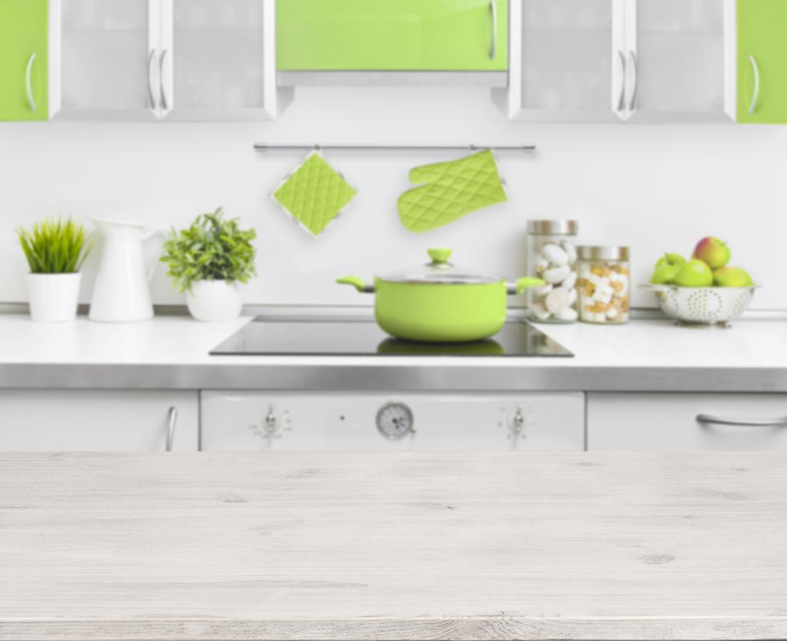 Une cuisine verte, fraîche et pétillante - Bricofamily
