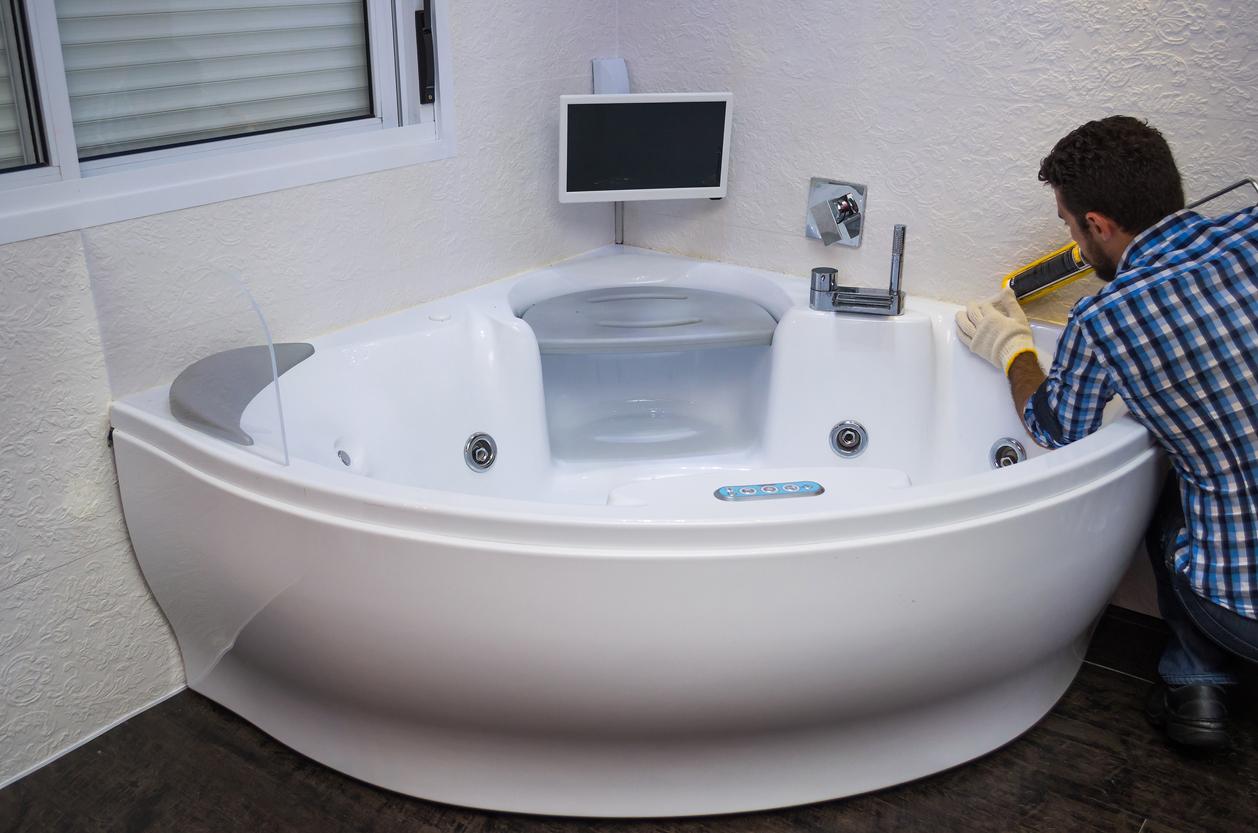 Pourquoi adopter la baignoire d'angle ?