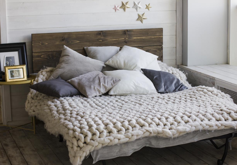 Fabriquer Tete De Lit En Bois 3 astuces pour une tête de lit façon récup' ! - bricofamily
